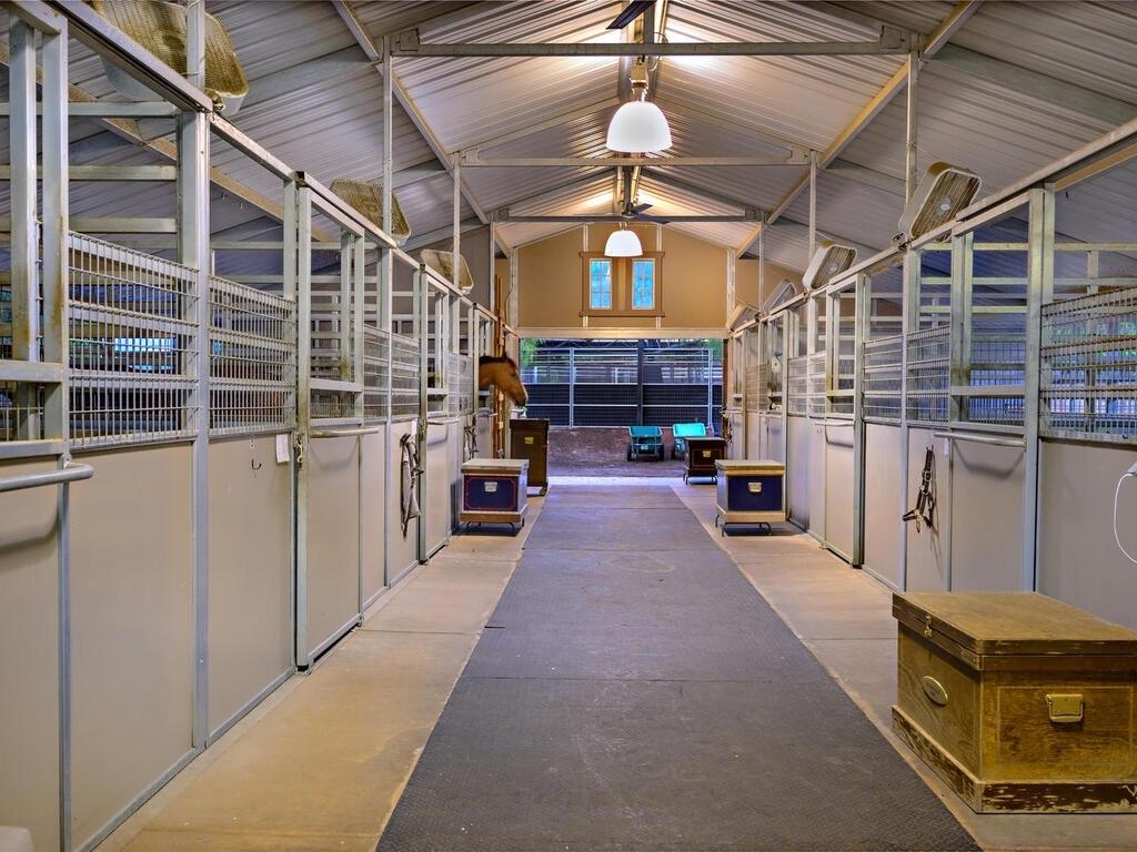Barn facility